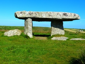 lanyon-quoit-510059_640